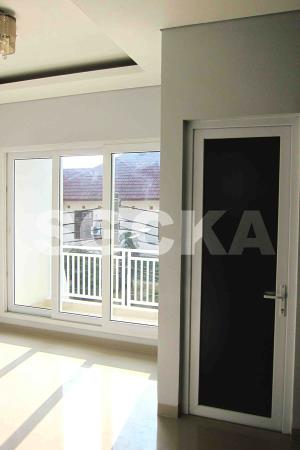 pintu swing kaca es jendela geser 2 daun upvc